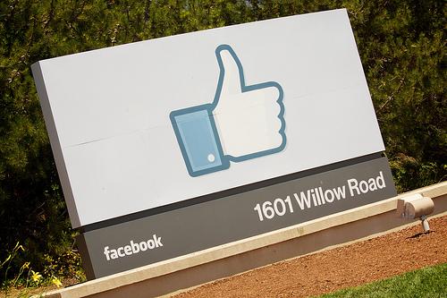 [Я]Facebookページ「100いいね!」を達成できました。感謝!
