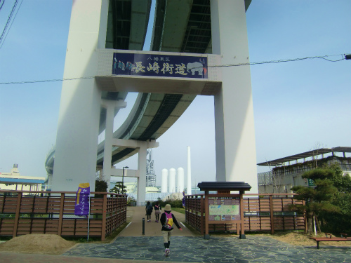 オープン間近のコストコ北九州倉庫店と解体中の折尾駅舎を徒歩で巡ってきた