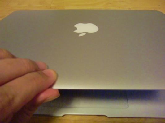 超初心者がMacBook Airを購入して初めて開封の儀をするとこうなるという事例