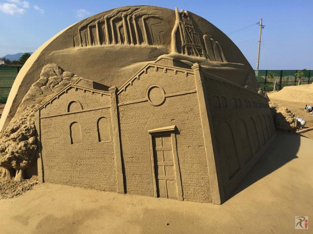 遠賀川水源地ポンプ室の砂像