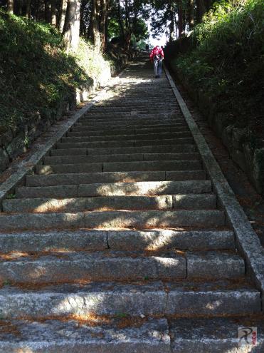 鏡山神社の階段