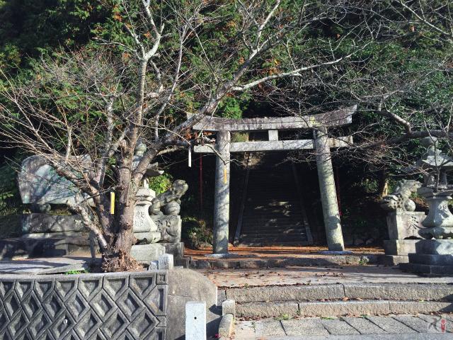 鏡山神社の鳥居