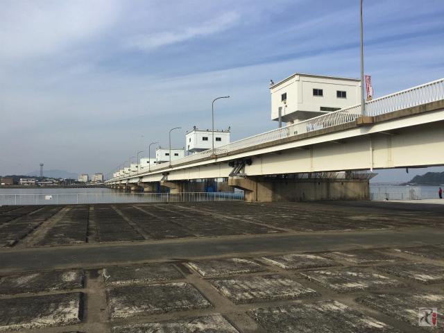 遠賀川河口堰