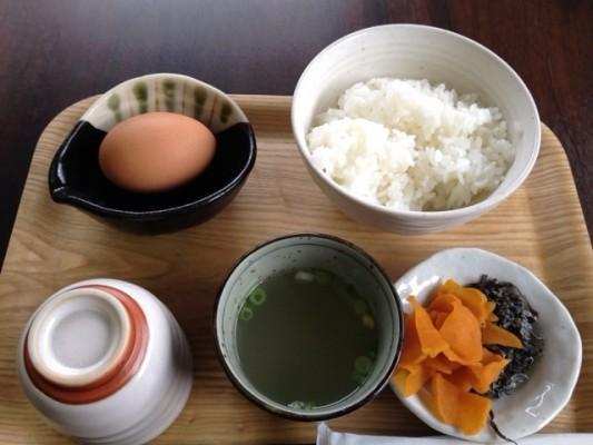 たまごん工房:たまごかけご飯350円で食べ放題!スイーツも絶品@飯塚