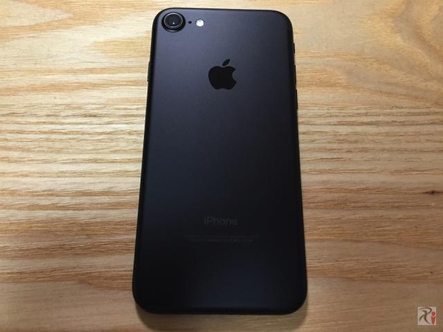 iPhone 7 ブラック32GB
