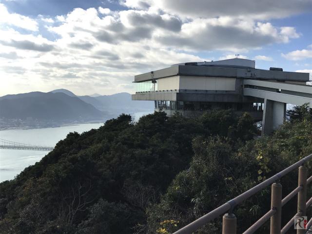 2016年末で閉館する下関・火の山展望台で関門海峡を眺める