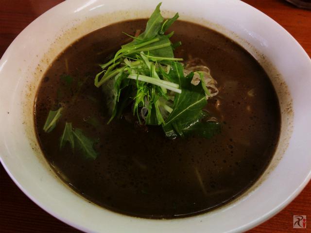 黒ごま担々麺600円