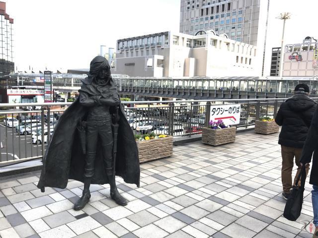 キャプテンハーロックの銅像