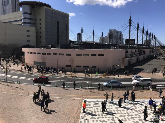 スタンドから見た西日本総合展示場