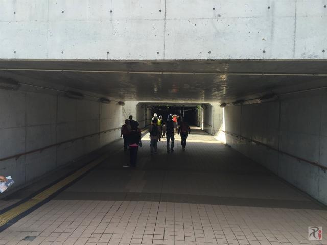 八幡駅横トンネル