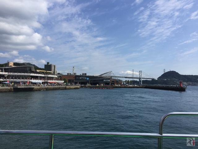 唐戸桟橋を出港