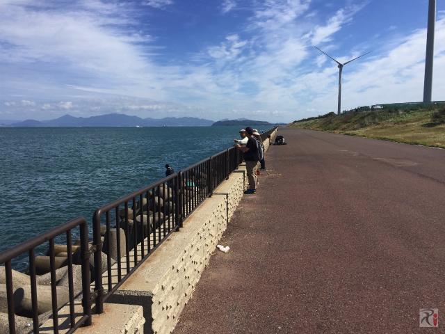 響灘の向こうに下関市