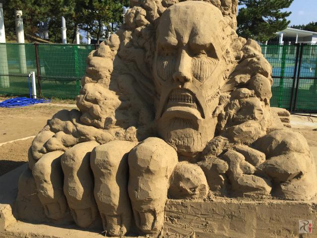 進撃の巨人の砂像