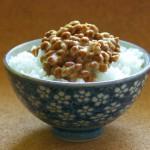 納豆を食べるなんて人間じゃない、と担任教師は言った