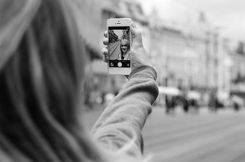 iPhoneで写真を削除しても空き容量が増えない時の解決法