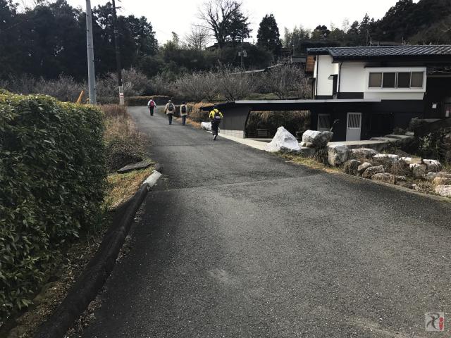 神宮院への山道