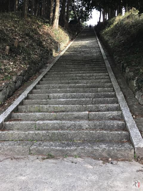 鏡山大神社の階段
