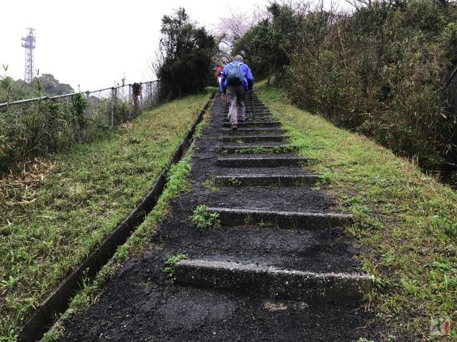 旌忠公園の階段