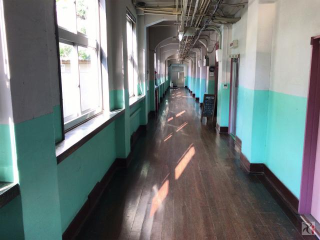 旧大名小学校の廊下