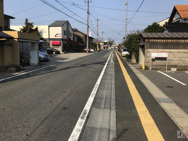 高校跡への通路