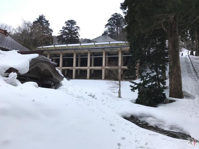大山寺の舞台