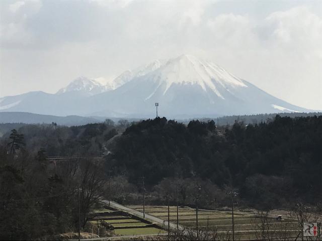 淀江どんぐり村から見た大山