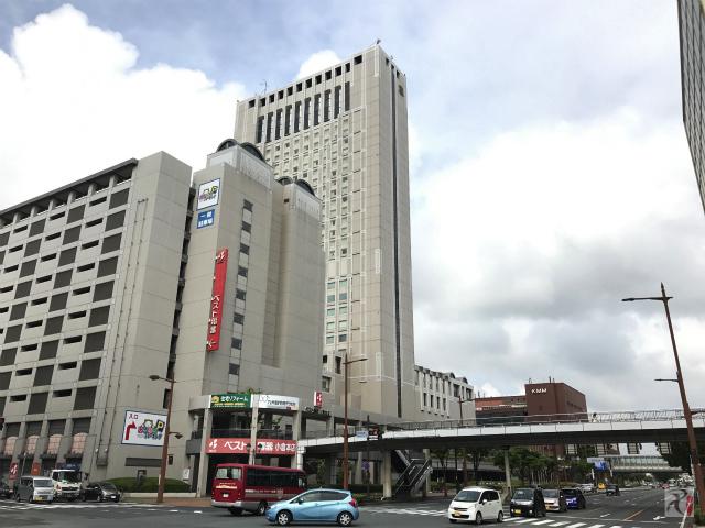 国際会議場入口交差点