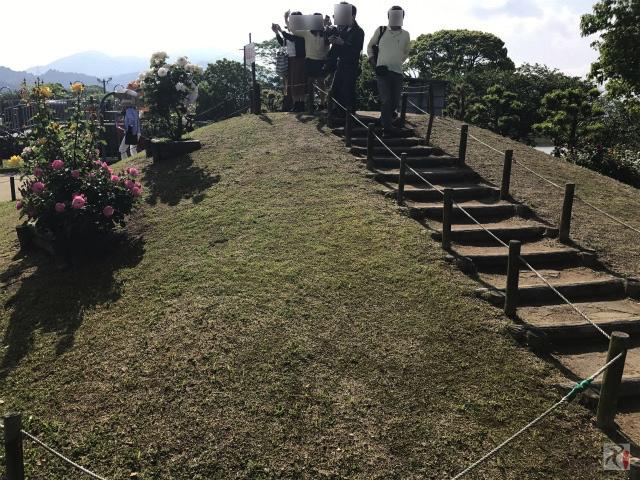 バラ園前の展望丘