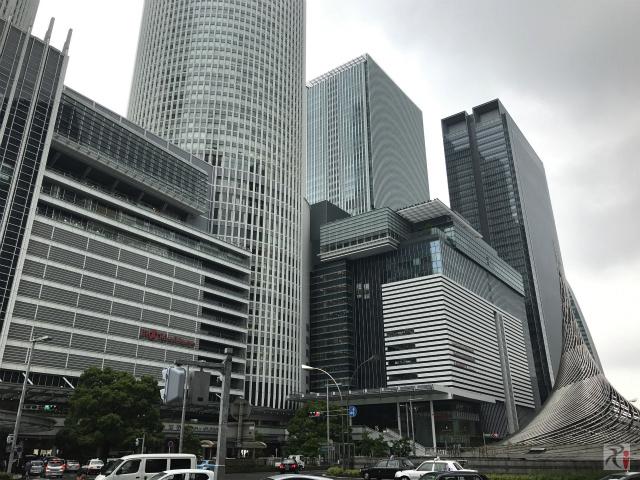 JRゲートタワーとJPタワー名古屋