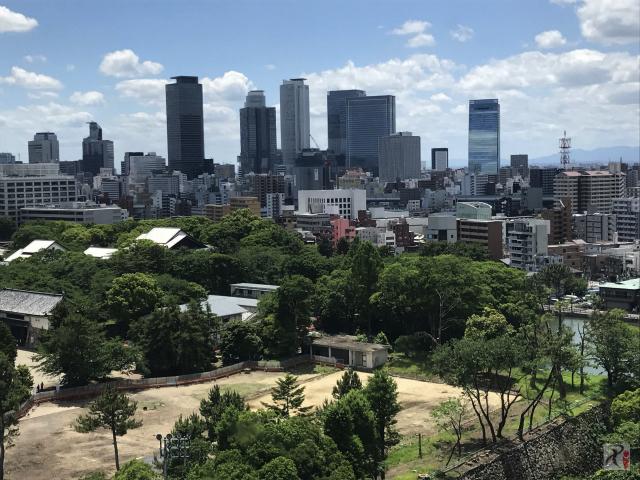 名古屋城から見た名古屋駅前高層ビル群
