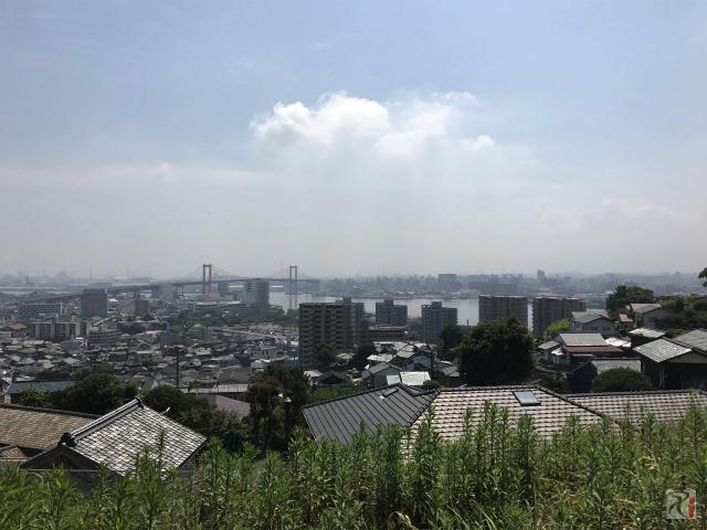 高塔山から見た若戸大橋