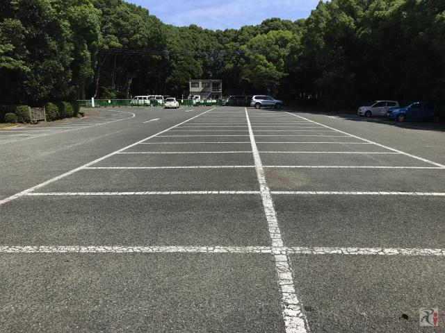 神宝館駐車場