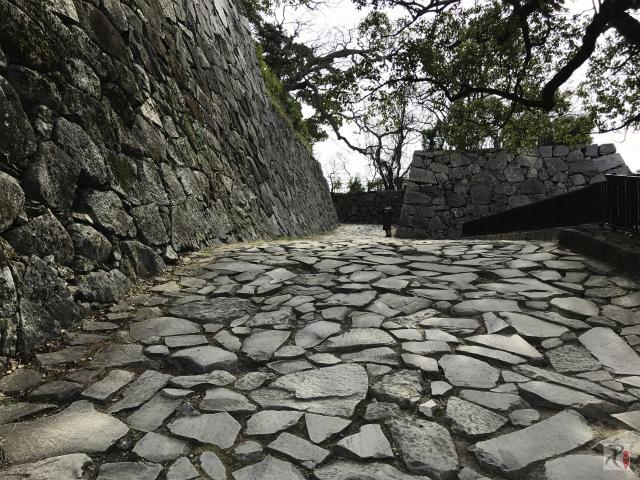 福岡城跡は散策向きで景色も良いし訪問する価値あり
