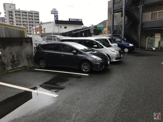 裏側駐車場