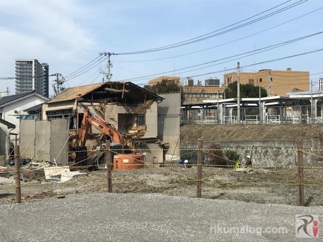 取り壊される家屋