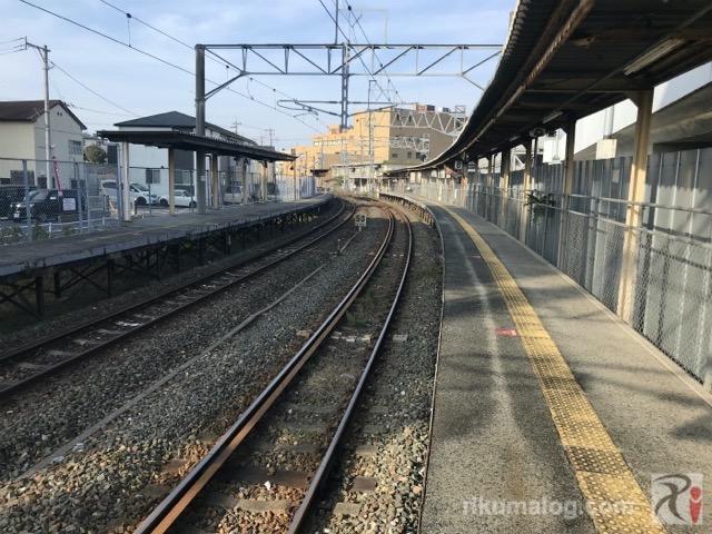 折尾駅鷹見口ホーム