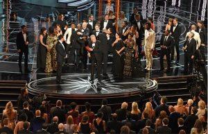 【続報】アカデミー作品賞の発表ミスで謝罪声明、当事者たちのコメントや視聴率結果など
